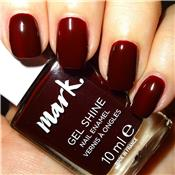 Vernis à ongles gel shine Wine And Dine Me (rouge sombre) Avon